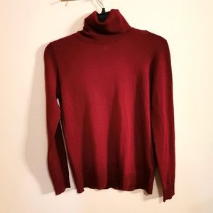 100% Merino wool turtleneck sweater, size XS